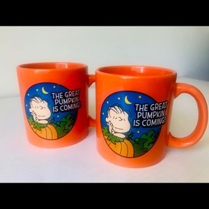 SET OF 2 PEANUTS MUGS